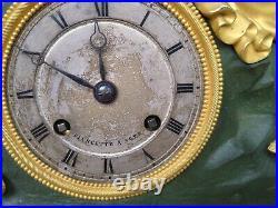 Pendule époque restauration horlogerie Fiancette, Agen, femme à la mandoline