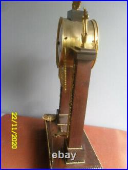 Pendule portique bronze doré fin XVIIIe-début XIXe Empire