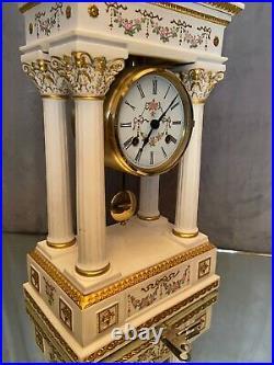 Pendule portique en biscuit porcelaine de l'impératrice Joséphine XXe Franklin
