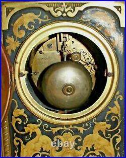 Pendule style renaissance bronze XIX décor Belifontain