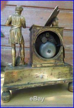 Pendule table des lois de Minos Empire Le Roy