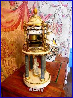 Pendulea cercles tournants dite temple aux amours signé FESTAU d'époque 18eme
