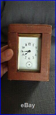 Pendulette D Officier Dans Son Etui Surement L Epee Horloge D Officier Fonctionn