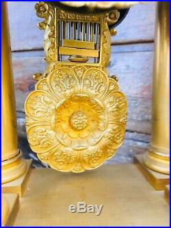 Petite Pendule En Bronze Empire Restauration