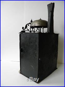 Petite comtoise environ 1740, largeur 20 cm, haute cheminée 15 cm