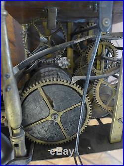 Rare mouvement d horloge xviii eme faisant musique 9 for Grosse horloge murale ancienne