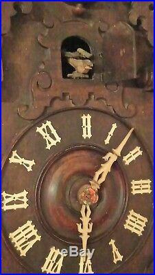 Rare ancienne horloge coucou de la foret noire