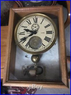 Rare horloge pendule maîtresse Charvet Lyon no bulle clock brillié industrielle