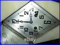 Superbe pendule Art Déco signée DAUVERGNE french clock spelter
