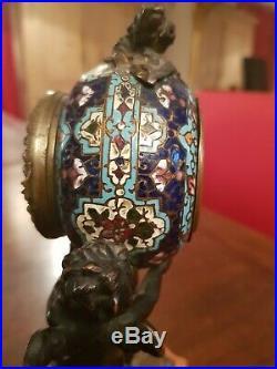 Superbe pendule en bronze et émail cloisonné, XIX ème, décor angelot
