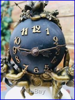 Très Petite Pendule En Bronze Et Marbre Époque Napoléon Ill