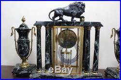 Très belle Pendule Cage au Lion avec ses Cassolettes