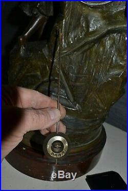 Très belle pendule ancienne en régule est marbre SAUVETAGE (90cm)