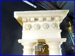 Trés grande pendule portique XIXéme en albatre