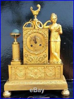 Uranie Pendule Bronze Dore Epoque Empire Allegorie Des Sciences Vers 1810 H. 36cm