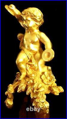 Vers 1810 EMPIRE Français Chérubin Musicien bronze doré pour Pendule Cartel