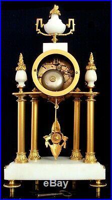 XIXème Siècle, rare pendule cartel DEMI LUNE CARIATIDE Bronze & marbre blanc